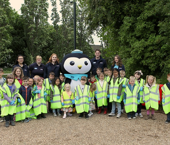 Canal Clean Up Party With Octonauts' Peso