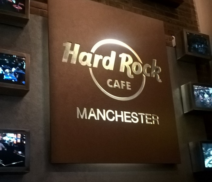 VIVA Visits Hard Rock Cafe For World Burger Event