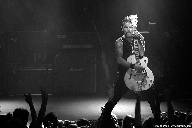 Billy Duffy in Mcr hi res