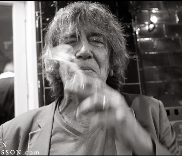The Madchester Music Scene And VIVA Pay Tribute To The Legend And Nicest Man In The Room – Howard Marks