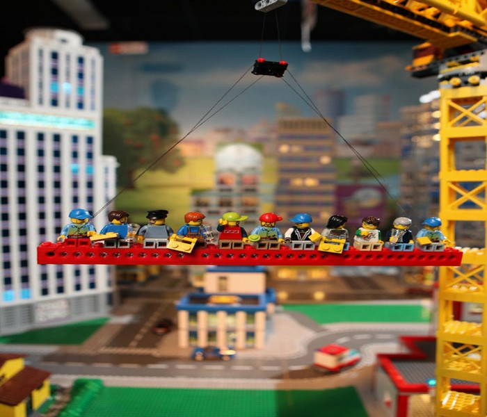 Master Model Builder Recreated The Famous Manhattan Skyscraper Image To Launch New Play Area City Builder At LEGOLAND® Discovery Centre Manchester!