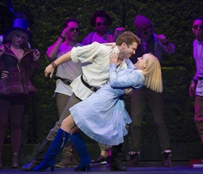 Wonderland Inspires With An Opening Night At The Palace Theatre
