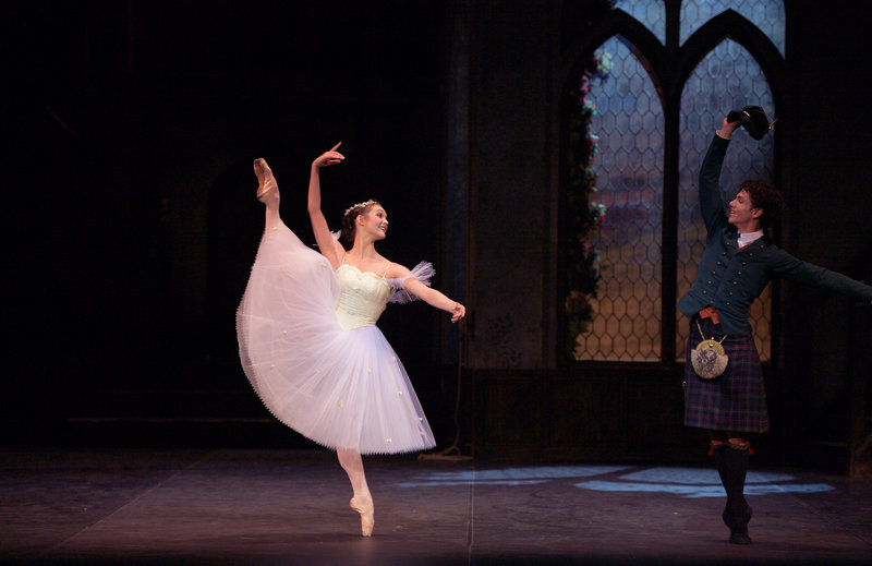 Jurgita Dronina and Isaac Hernandez in La Sylphide © Laurent Liotardo