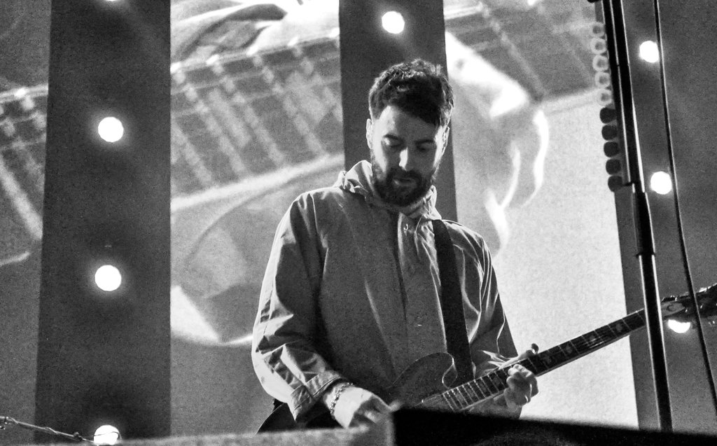 Liam Fray of The Courteeners at Manchester Arena . Photo by Alicia Boukersi.