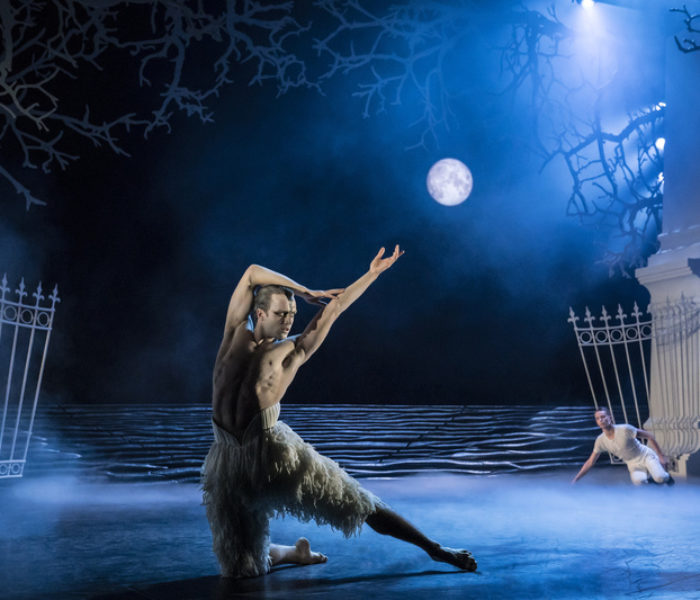 REVIEWED: Matthew Bourne's Swan Lake