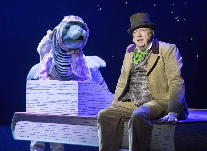 Doctor Dolittle (Mark Williams) with a seal