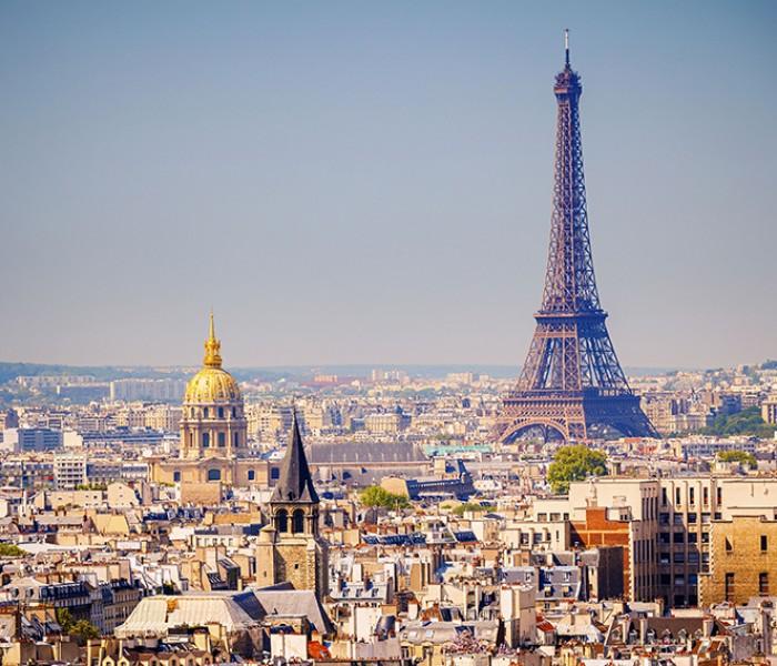 Man City Fans Go Mad For Paris Ahead Of Champions League Quarter-Final
