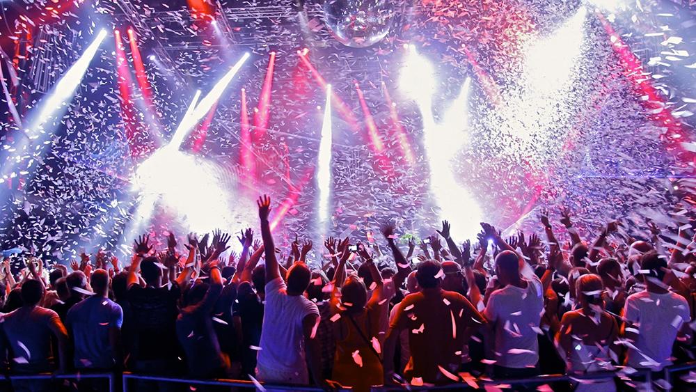 Ibiza-crowd