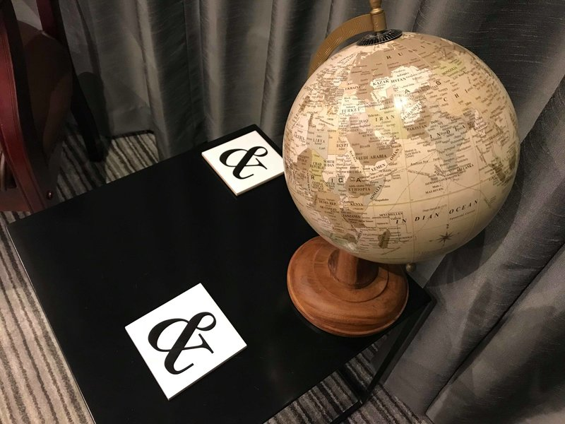 Antique style globe feature