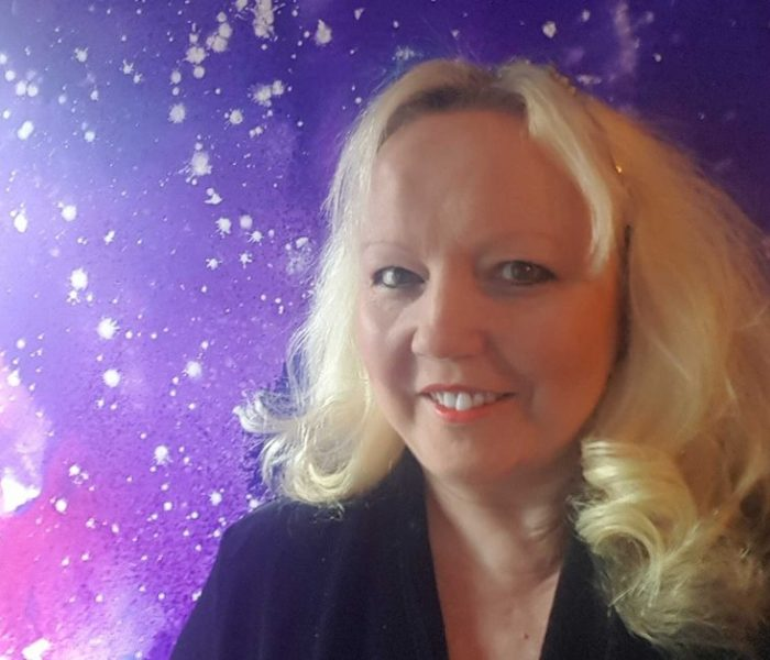 Award-winning artist Zoë Watson's success is painted in the stars – and Didsbury