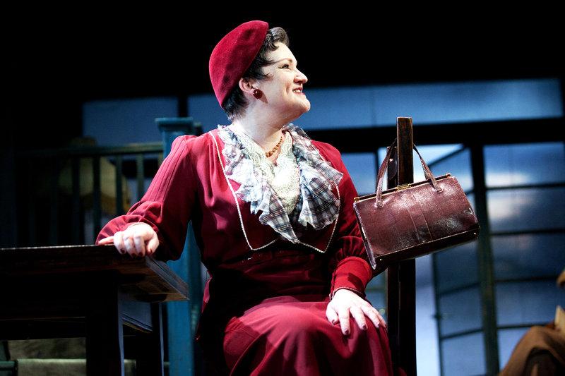 Aunt Lou-Lou (Nicola Sanderson)