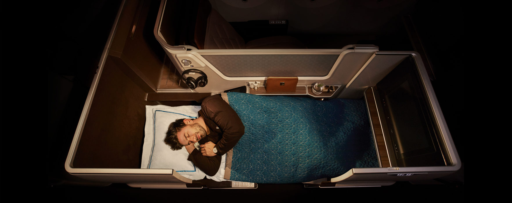 AIRLINE REVIEW: Oman Air Business Class – new Dreamliner service from Manchester to Muscat