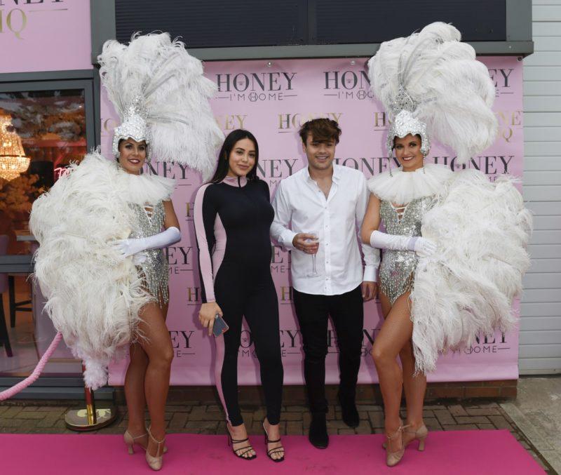 https://vivamanchester.co.uk/celebs-flock-to-manchester-for-instagram-sensation-honey-im-home-vip-showroom-launch/