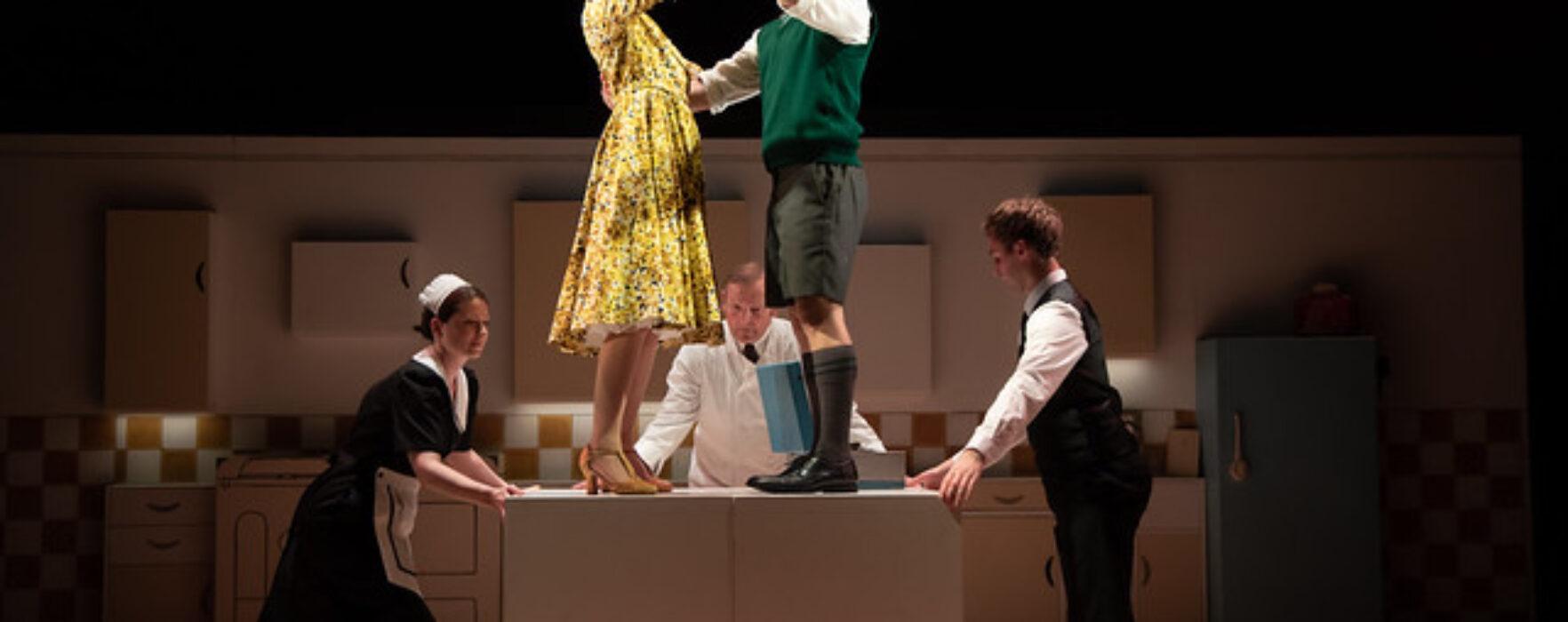VIVA interviews Henry Filloux-Bennett on the show Toast as it returns to Manchester in November