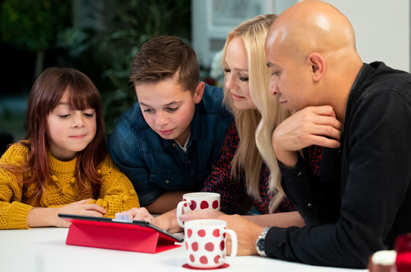 Emma Bunton shares her top tips to help families achieve a positive digital life balance