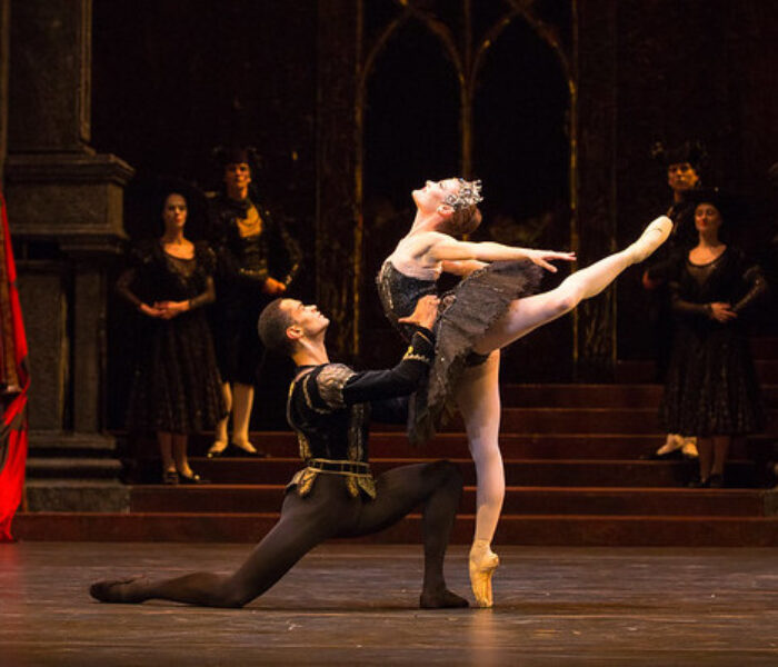REVIEWED: Birmingham Royal Ballet's <br>Swan Lake at The Lowry, Salford Quays